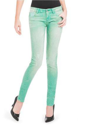 Guess. летние, тонкие джинсы скинни