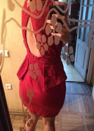 Красное платье suite blanco открытая спина баска кружево