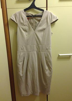 Платье с v вырезом