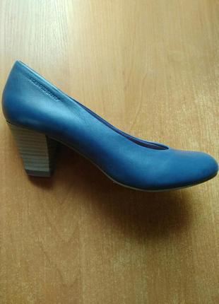 Туфли из натуральной кожи на ножку 23,5 см