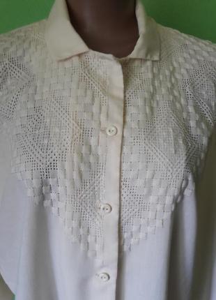 Нюдовая рубашка, блуза с красивой вышивкой