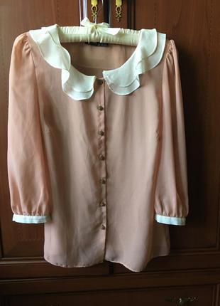 Трендовая блузка блуза с воланом , цвет пудра беж