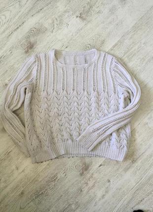 Очаровательный свитер крупной вязки💭