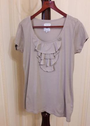 Натуральная базовая бежевая футболка с воланами marie lund