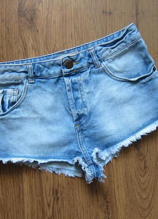 Шикарные джинсовые шортики с открытой попой