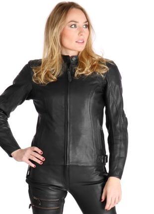 Стильная натуральная кожаная спортивная куртка пилотка .