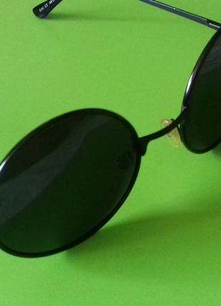 Круглые очки тишейды