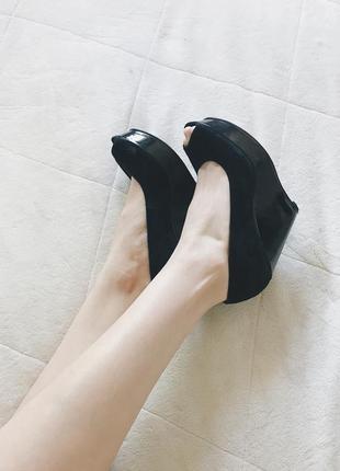 Черные туфли босоножки на лаковой платформе asos
