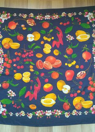 Яркий красочный большой шелковый платок с фруктами и цветами, 90х87 см