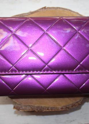 Шикарный большой лаковый стёганый кошелёк глубокого фиолетового цвета фуксия