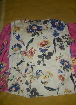 Блузочка шелк и цветы размер 40-42