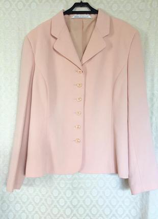 Роскошный пиджак жакет нежно-персикового цвета