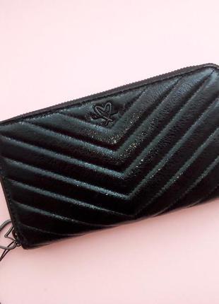 Вместительный кошелек-клатч от victoria`s secret