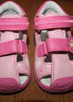 Очаровательные туфельки для малышки