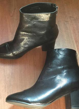 Удобные ботиночки на устойчивом каблуке