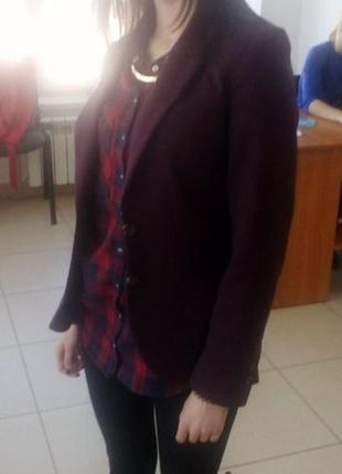 Шикарний піджак бордового кольору