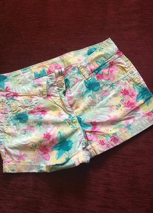 Красивые и яркие летние шорты