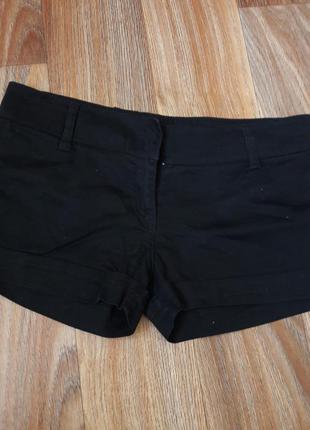 Классические черные шорты