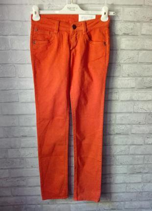 Яркие летние джинсы от gas