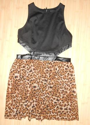 Стильное платье с леопардовым принтом