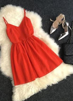Крутое фактурное (вафельное) секси платье от asos c красивой спинкой на шнуровке
