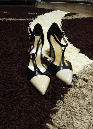 Кожаные туфли р. 37, стелька 24,7, высота каблука 9 см