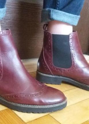 Очень стильные бордо  ботинки,челси,черевики.натуральная кожа!!!