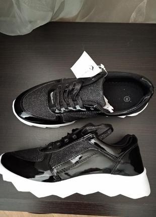 Лаковые кроссовки, 37