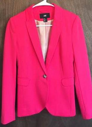 Яркий пиджак h&m.