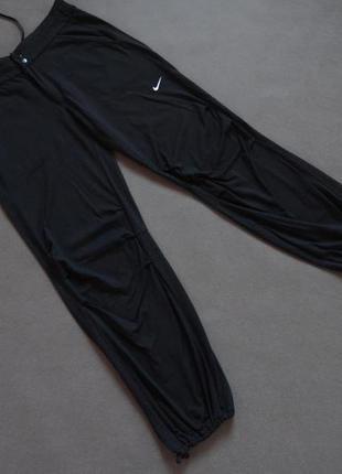 Женские спортивные nike fit dry