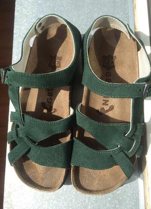 Крутые и мега удобные ортопедические сандали босоножки на 23 см ножку замшевые кожаные.