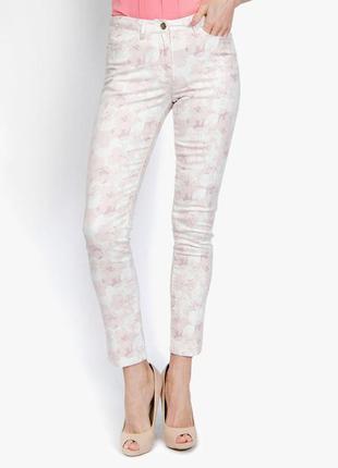 Новые стрейчевые джинсы zarina