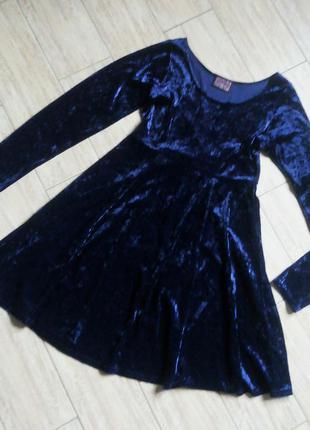 Велюровое бархатное коктейльное нарядное платье