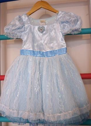Шикарное платье disney с брошью 5-7 лет на выпускной в сад