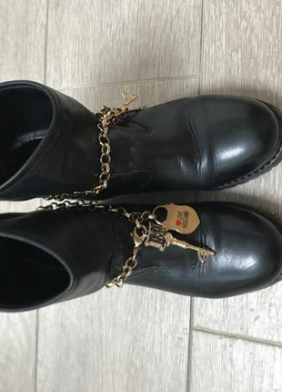 Love moschino ботинки оригинал