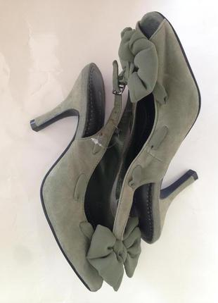 Новые босоножки туфли натуральный замш средний каблук модный объёмный бант