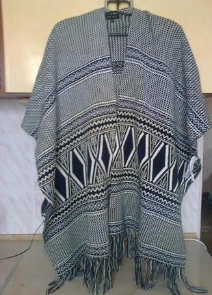 Новое фирменое пальто - накидка - кардиган - пончо, теплое, бахрома