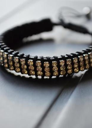 Кожаный браслет украшеный камнями