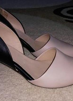 Roberto santi туфли кожа каблук 8 см взуті 1 раз