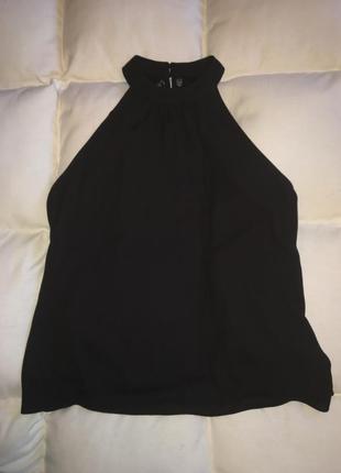 Шикарная блуза с кружевной спиной