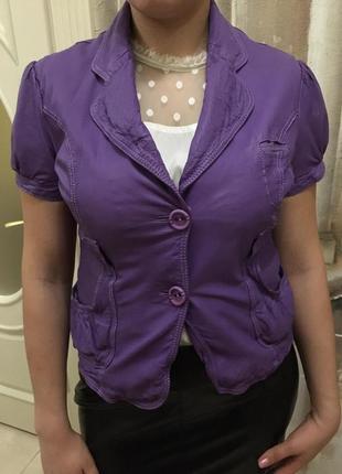 Кожаный пиджак с коротким рукавом