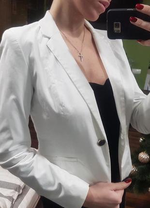 Белый пиджак h&m (жакет)