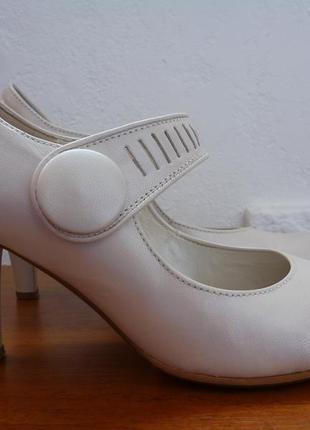 Туфли gabor р. 36 стілка 23,7 см. кожа, каблук 7см.