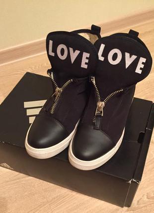 Невероятно стильные ботиночки на платформе