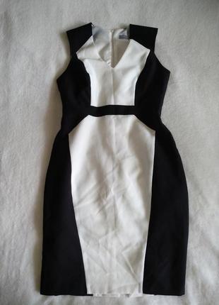 Платье футляр чёрно-белое в деловом официальном стиле