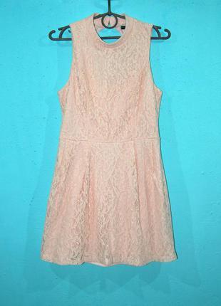 Короткое кружевное платье от forever21! с этикеткой размер s