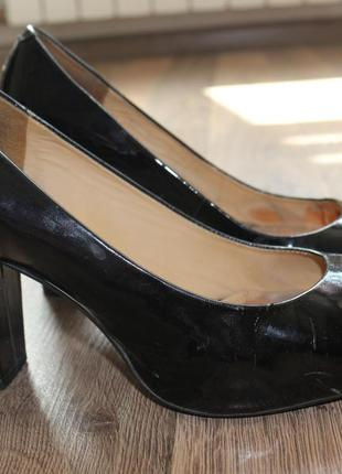 Лаковые туфли на каблуке, туфли лак, туфли черные