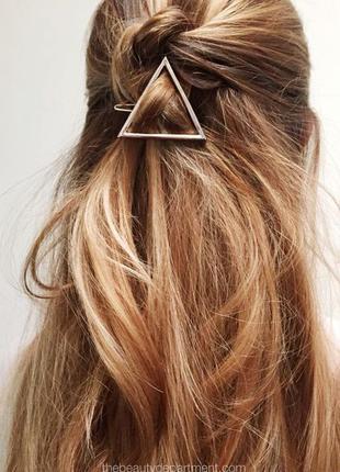 Золотая заколка для волос треугольник