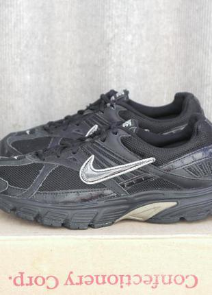 Nike р.40-25,5см кроссовки.
