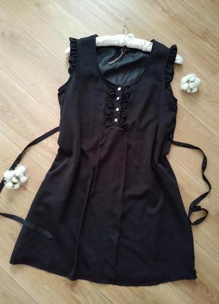 Черное платье с поясом atmosphere
